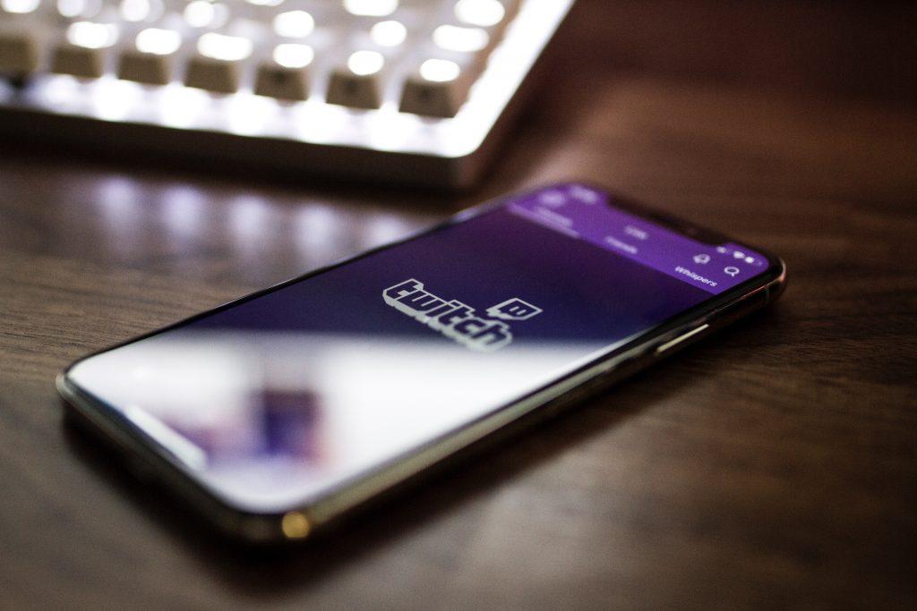 Twitch за смартфон